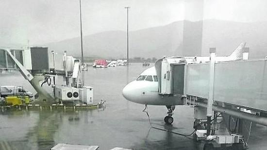 El avión afectado por el rayo, tras tomar tierra. / Basiq Aviaconsulting