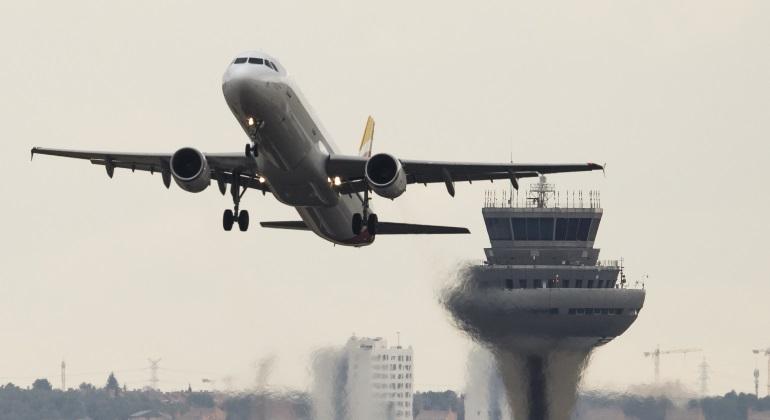 aena-torre-avion