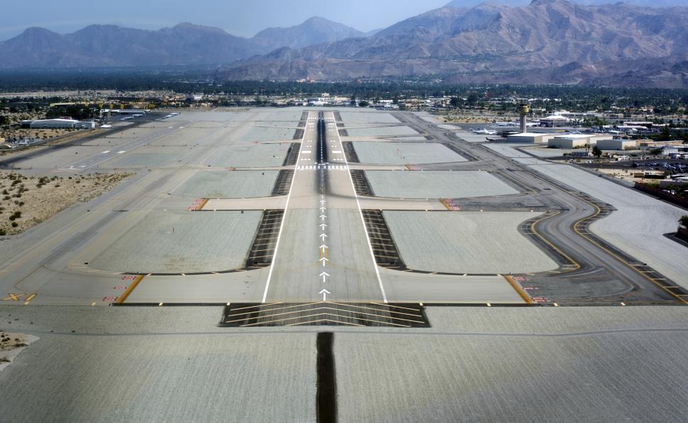 palm_springs_international_airport_photo_d_ramey_logan1_1_970x597