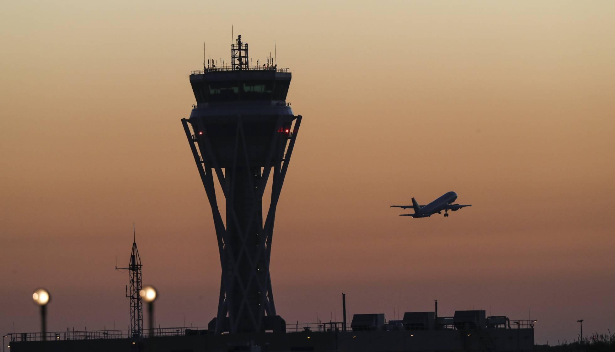 El crecimiento del aeropuerto de El Prat choca con sus limitaciones