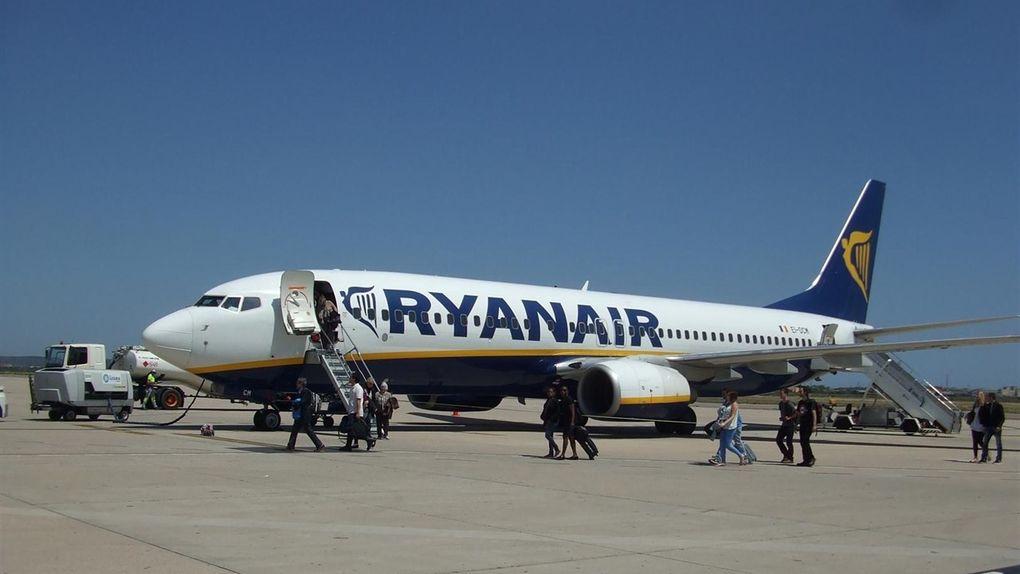 Los controladores acusan a Ryanair de mentir a sus clientes para no devolverles dinero