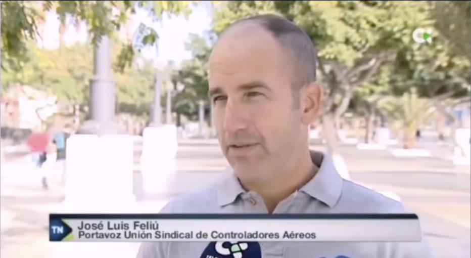 USCA en Canarias explica el peligro de los deslumbramientos láser a pilotos