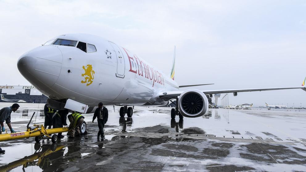 Boeing 737-8MAX de Ethiopian Airlines en el aeropuerto de Addis Abeba (Str / EFE)
