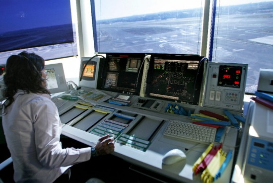 Torre_control_aeropuerto_Madrid-Barajas